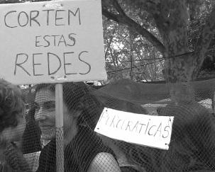 Estudiantes de TEUC en la manifestación en contra de las medidas de la TROIKA. 26_10_13